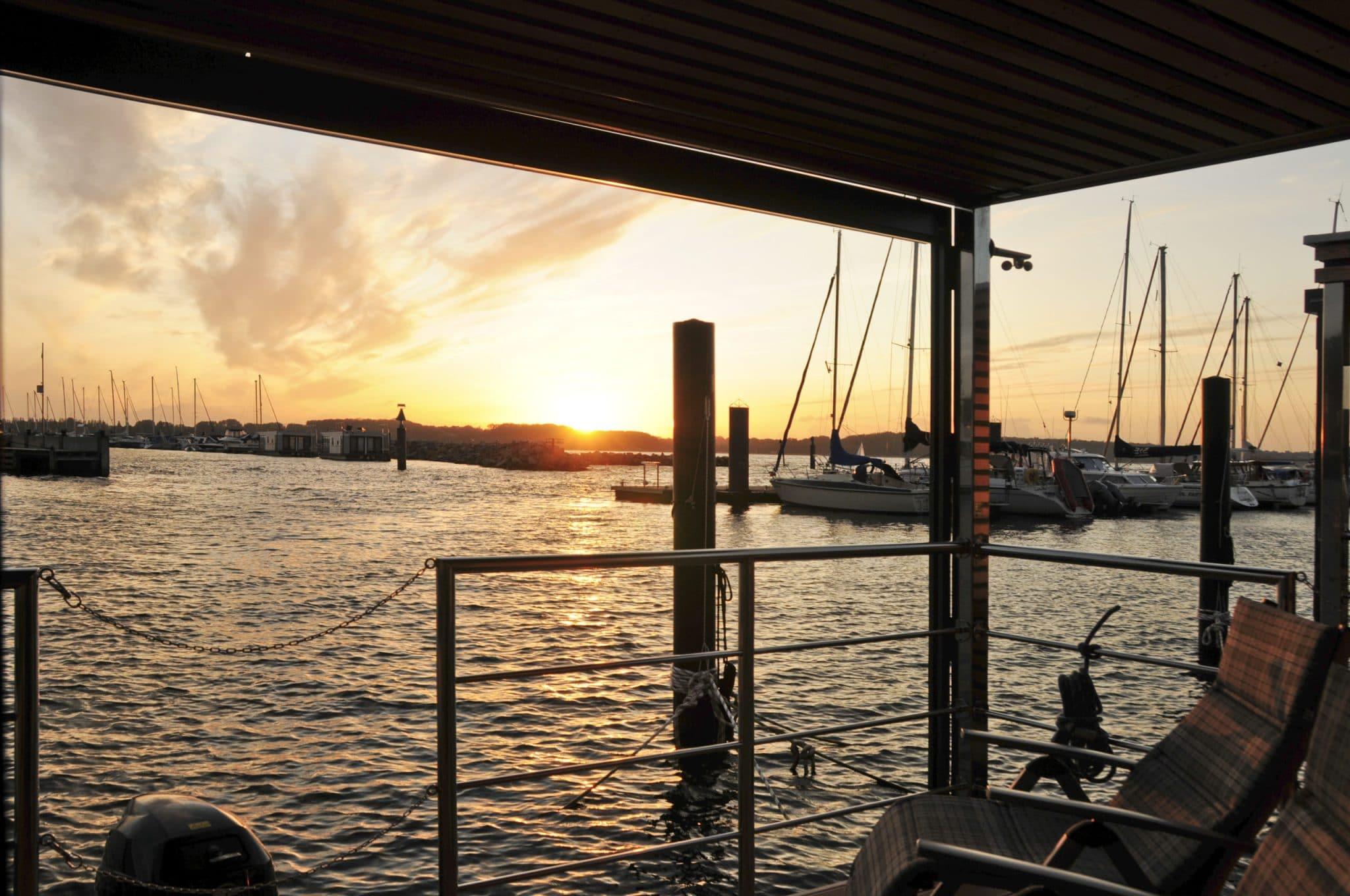 Urlaub im Hausboot - Traumhafte aussicht im Hafen von Lelystad